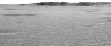 Le cratère Endurance observé par Opportunity, à 75m du bord, le 28 avril 2004