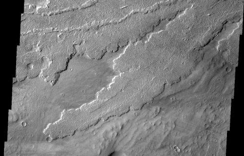 Mars: belles coulées de lave de la région de Tharsis