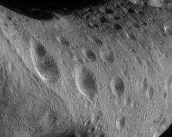 Vue d'Eros prise de 206 km d'altitude