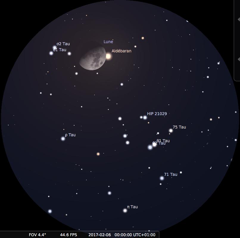 Dans la même position que la figure précédente, la Lune et Aldébaran observées aux jumelles le soir du 5 février 2017 peu après la fin de l'occultation, à minuit