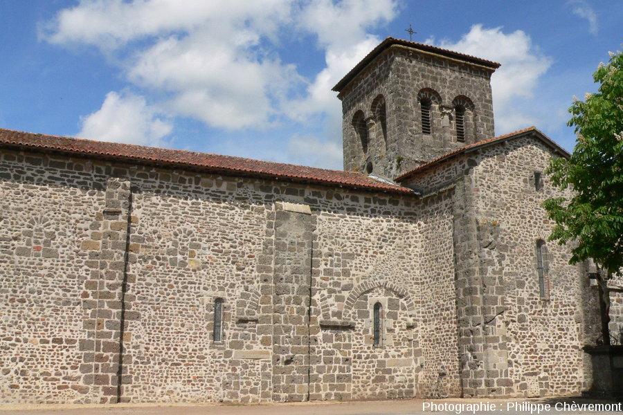 Église de Chassenon, bâtie principalement avec des brèches de retombée