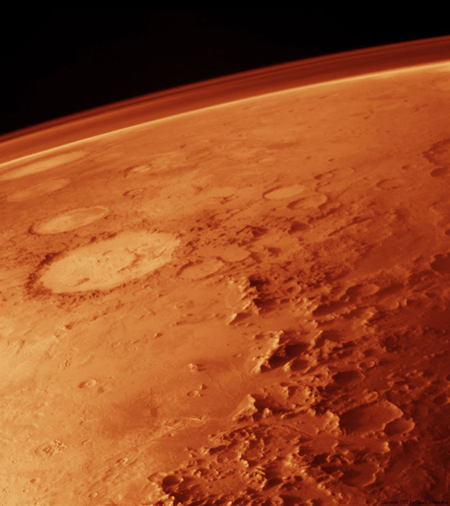 Image de la surface de Mars prise par Viking Orbiter en Septembre 1976 dans une direction Nord - Est au niveau du Bassin d'Argyre
