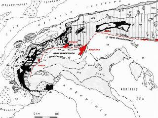 Localisation des principales masses plutoniques associées à la ligne insubrienne et au décrochement périadritique