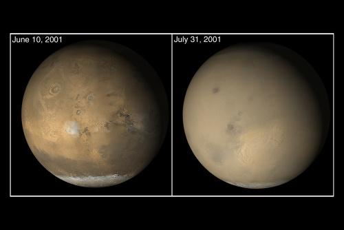 Images de la tempête de juillet-août 2001 vue par la sonde Mars Global Surveyor