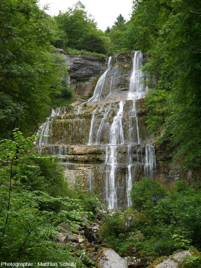 La cascade dite de l'Éventail sur le Hérisson (Jura), vue de plus près