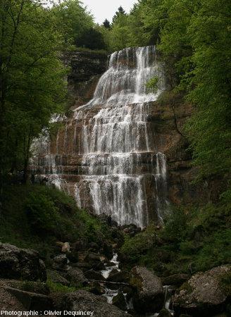 La cascade de l'Éventail, l'une des cascades du Hérisson (Jura)