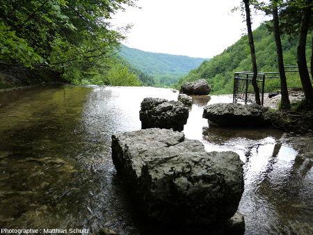 Depuis le haut de la cascade dite de l'Éventail sur le Hérisson (Jura)