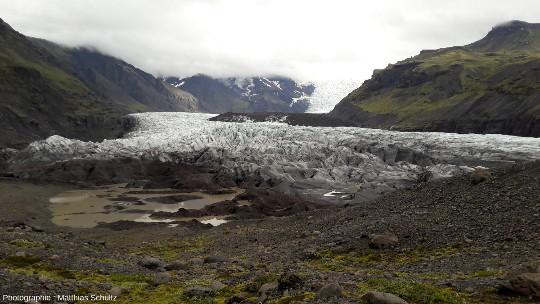 Autre langue glaciaire issue de la calotte du Vatnajökull atteignant quasiment l'immense Skeiðarásandur au Sud-Est de l'Islande