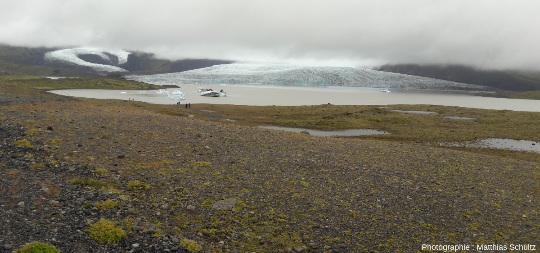 Autres langues glaciaires issues de la calotte du Vatnajökull se jetant dans une lagune glaciaire au sud-Est de l'Islande