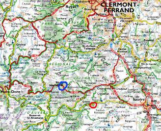 Localisation (sur fond Michelin) de Saint Nectaire (en bleu) et de la source de la Tête de Lion (en rouge)