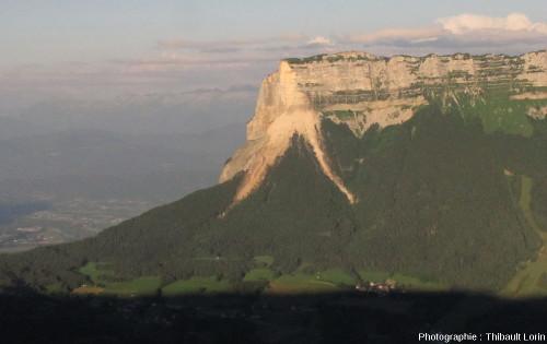 Vue de l'éboulis de la face Nord-Ouest du Granier (côté Entremont-le-Vieux), en Chartreuse