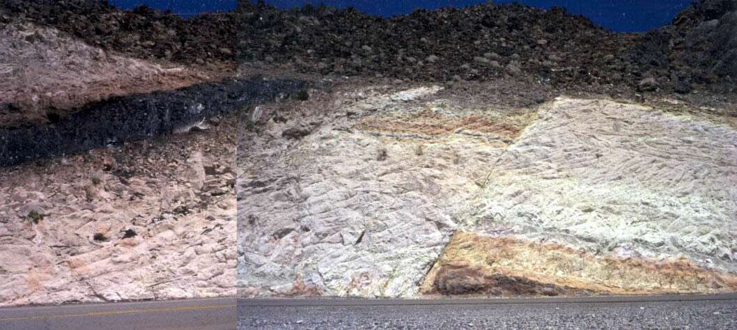 Vue d'ensemble de l'affleurement de la route qui va de Las Vegas à la vallée de la Mort (Nevada)