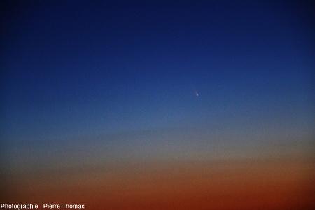 La comète Panstarrs vue depuis les Monts d'or Lyonnais au-dessus de Limonest, 15 mars 2013 vers 19h40