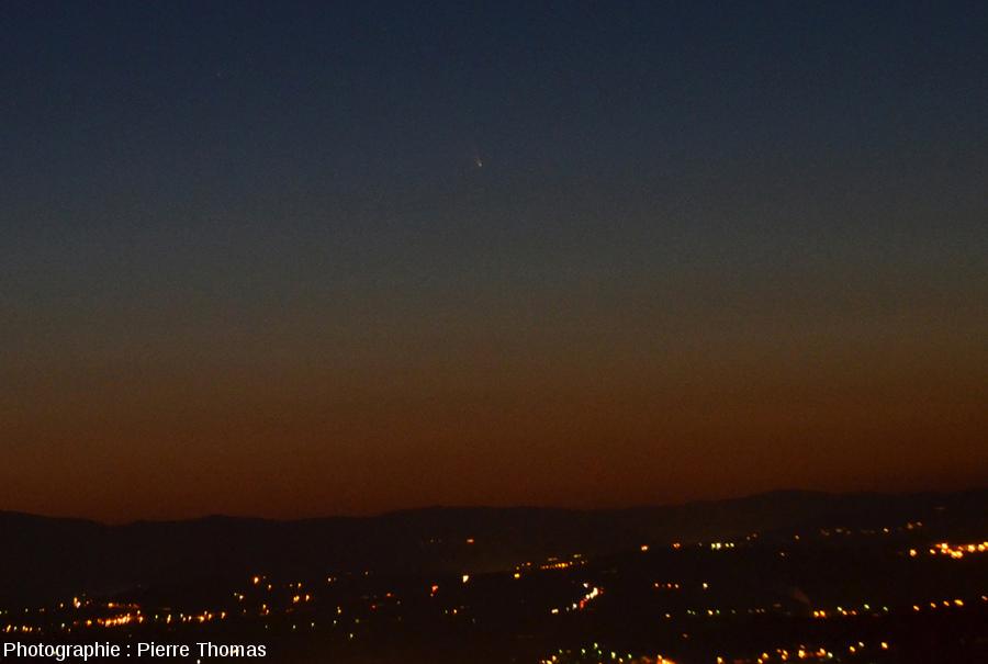La comète Panstarrs vue depuis les Monts d'or Lyonnais au-dessus de Limonest, 15 mars 2013 vers 19h50