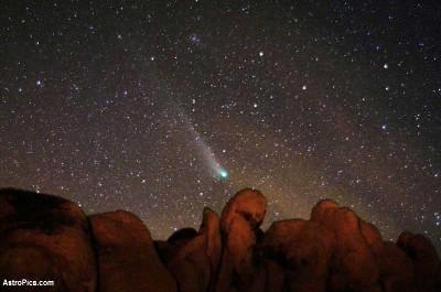 La comète C/2001 Q4 (NEAT) observée le 8 mai 2004 au parc national de Joshua Tree