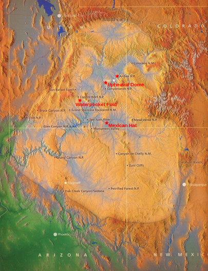 Carte topographique de la région du plateau du Colorado figuré avec une teinte plus claire que les régions environnantes