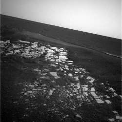Vue de dessus des dalles du cratère d'Opportunity
