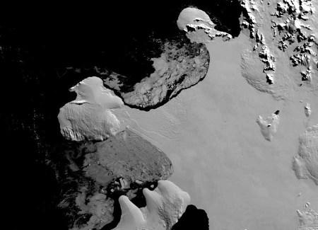 Plate-forme Wilkins (Antarctique): état du pont de glace en mars 2008