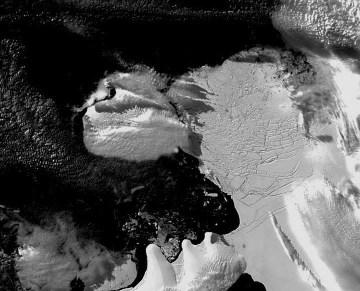 Plate-forme Wilkins (Antarctique): image prise je jour de la rupture du pont de glace, le 6 avril 2009