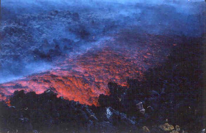 Etna (Italie), une coulée basaltique