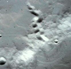 Glacier rocheux dans l'hémisphère Nord de Mars