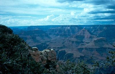 Dépôts sédimentaires stratifiés du Grand Canyon