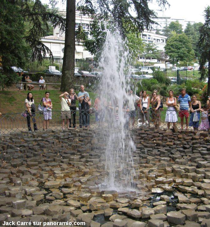 Le geyser froid de Vals-Bains (Ardèche)