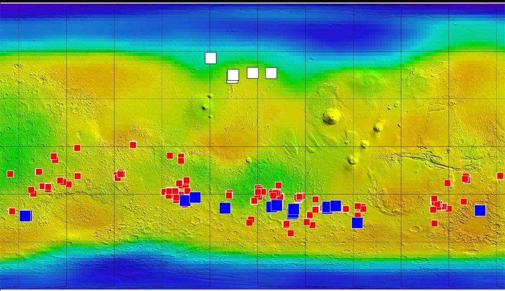 Planisphère de Mars localisant écoulements sombres, chlorures et traces de glace fraîche