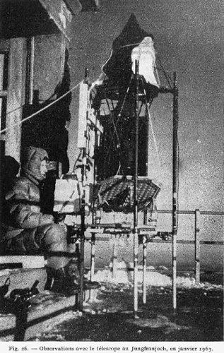 Audouin Dollfus observant l'atmosphère martienne depuis le massif du Jungfraujoch en janvier 1963