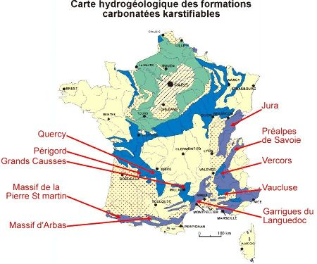 Carte hydrogéologique des formations carbonatées karstifiables en France