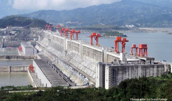 Le barrage des Trois-Gorges (Chine), plus grand barrage du monde