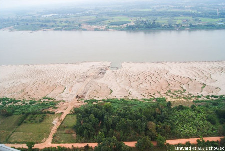 Un exemple d'extraction de sable dans le delta du Mékong
