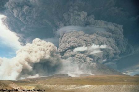 Fin de la progression des nuées ardentes: Lascar (Chili),19 avril 1993, explosion de 13h15 (2/2)