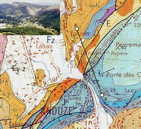 Carte géologique avec la position de la coupe.