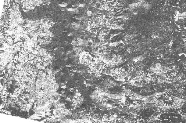 La chaîne des Puys vue par le satellite SPOT, le 10 novembre 1986