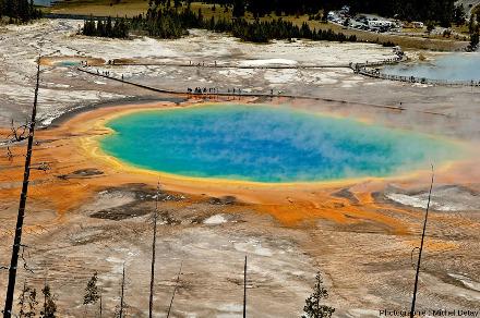 Milieu chaud et acide dans le Parc de Yellowstone: Grand Prismatic Spring