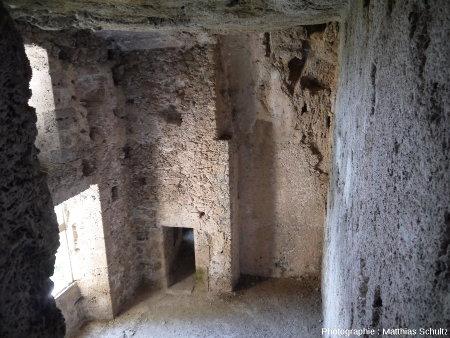 Intérieur du château-grotte de Villecroze (Haut-Var)