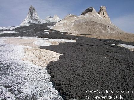 Coulée de carbonatite du volcan Oldoinyo Lengai (Tanzanie)
