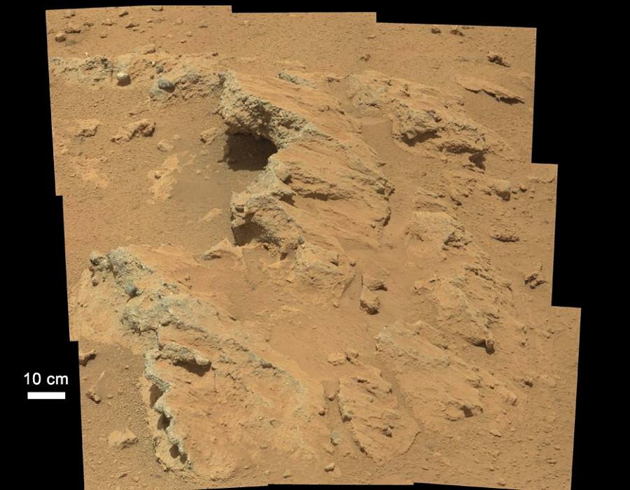 Une couche de conglomérat photographiée par Curiosity, sol 39 (14 septembre 2012)