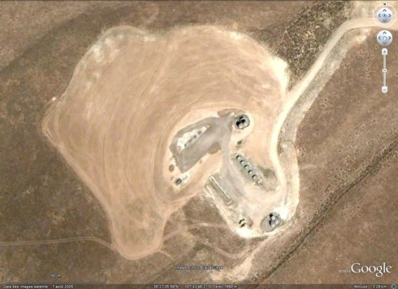 Gros plan sur une zone de forage / exploitation quelque part au Colorado