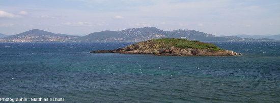 Le littoral varois vu depuis la presqu'ile de Giens