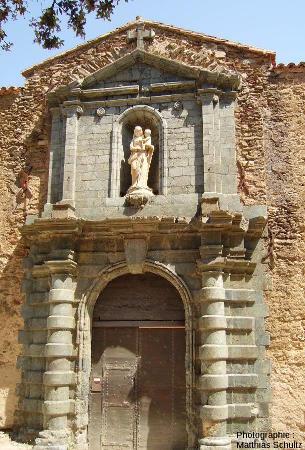 Le portail de la Chartreuse de la Verne, au cœur de l'unité de la Garde-Freinet dans les Maures