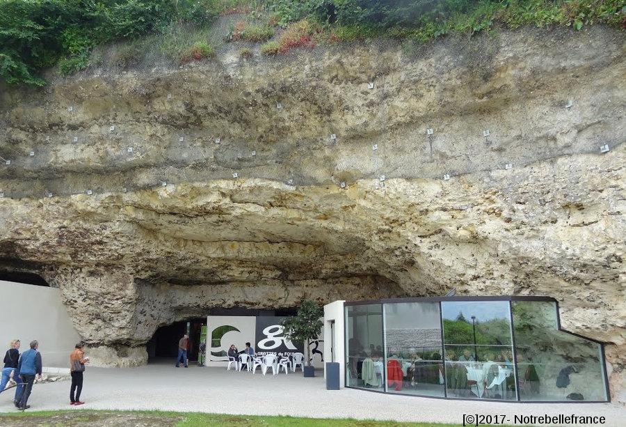 L'entrée de la grotte du Foulon (Châteaudun, Eure et Loir)