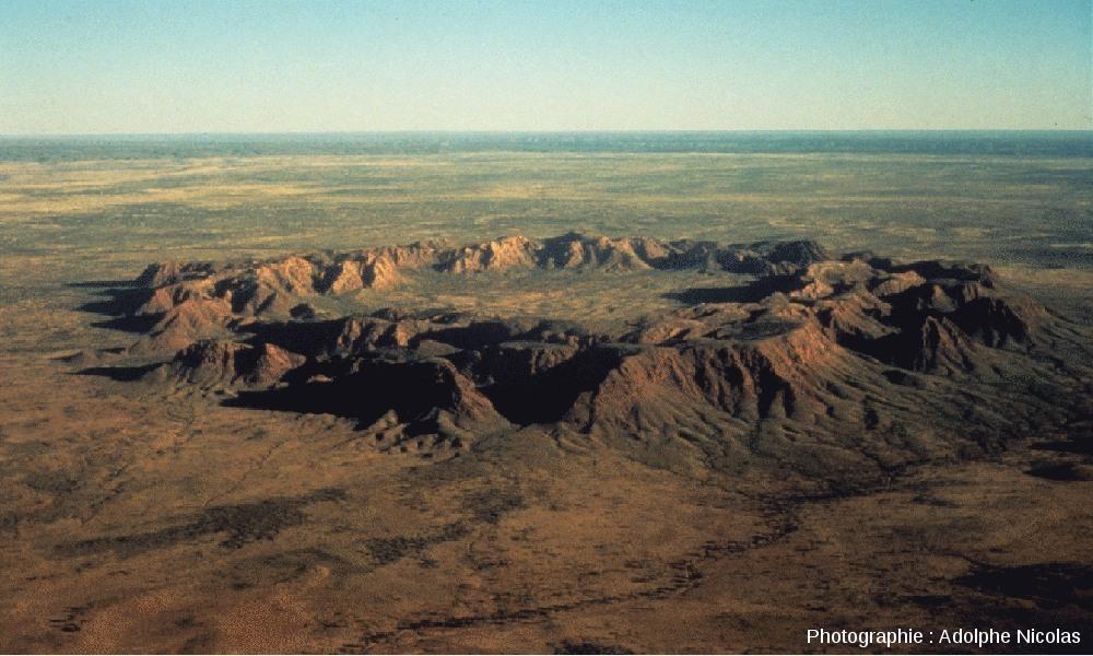 L'anneau central du cratère de Gosses Bluff, Australie
