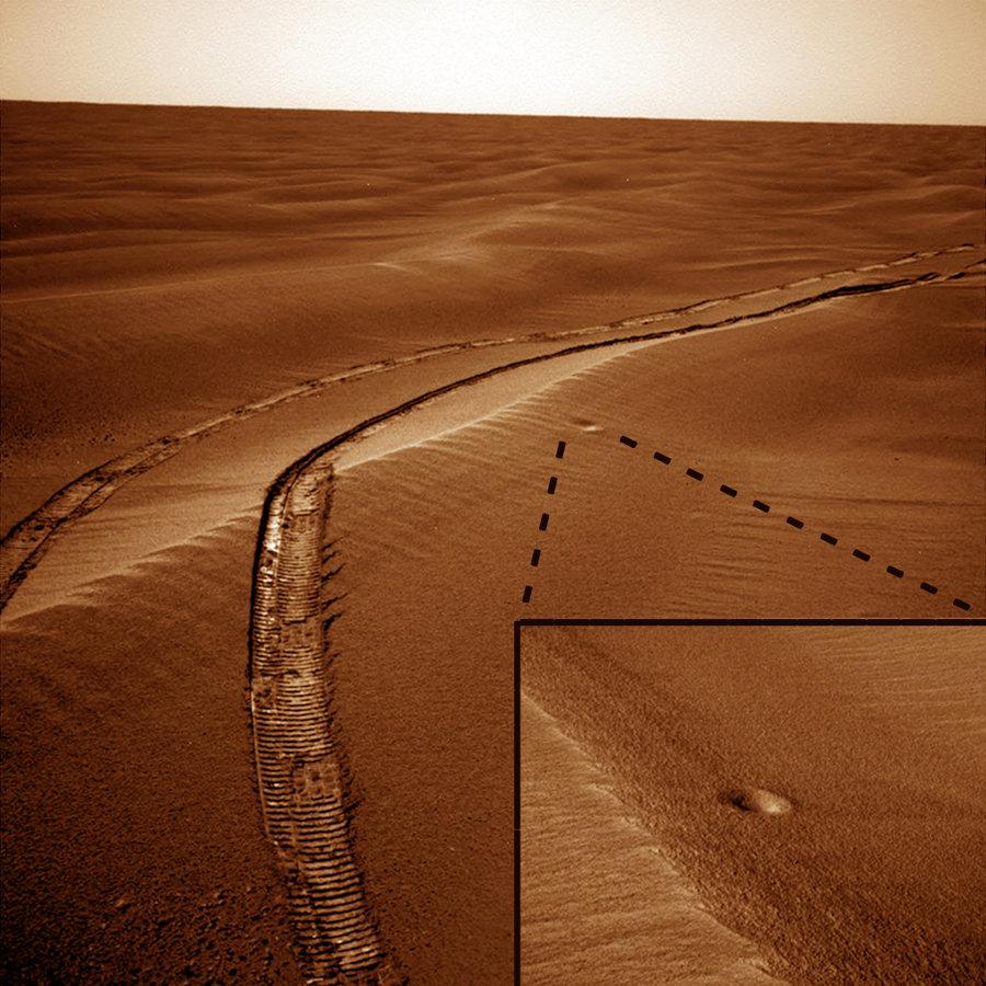 Micro-cratère martien sur la route d'Opportunity