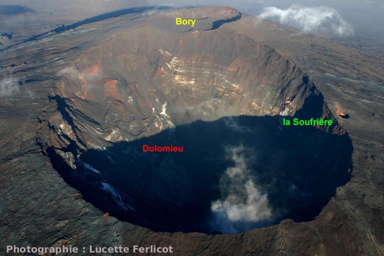 Évolution du flanc Nord du Dolomieu: 12 avril 2007 (Piton de la Fournaise, La Réunion)