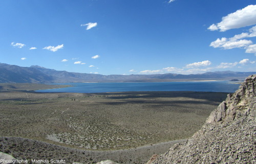 Vue sur le lac Mono, vers le Nord, depuis le mont Panum
