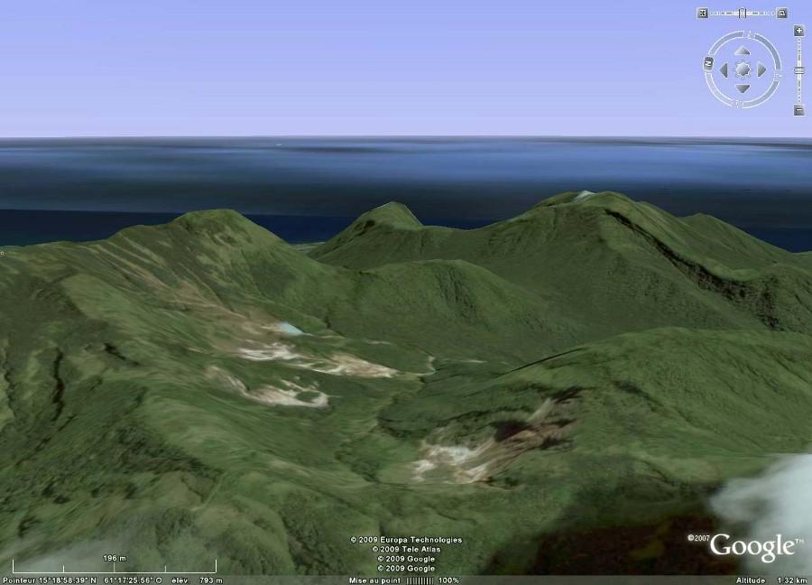 Image Google Earth de la vallée de la Désolation au centre de l'image, Dominique (Antilles)