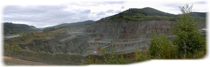 Vue générale de la carrière de basalte de Raon-l'Étape