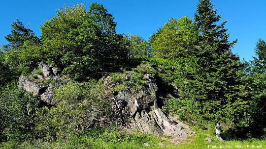 "Carrière du Camp du Struthof: granite de Natzwiller (granite ""récent"")"